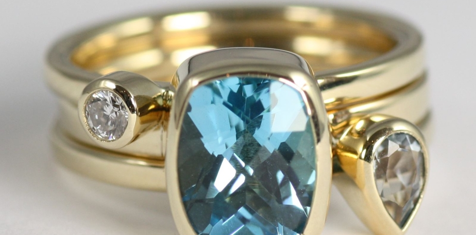 £1600 gold diamond topaz aquamarine ring